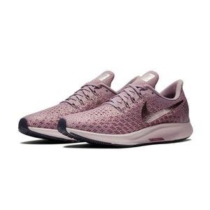Brand new Women's 9.5 Nikes